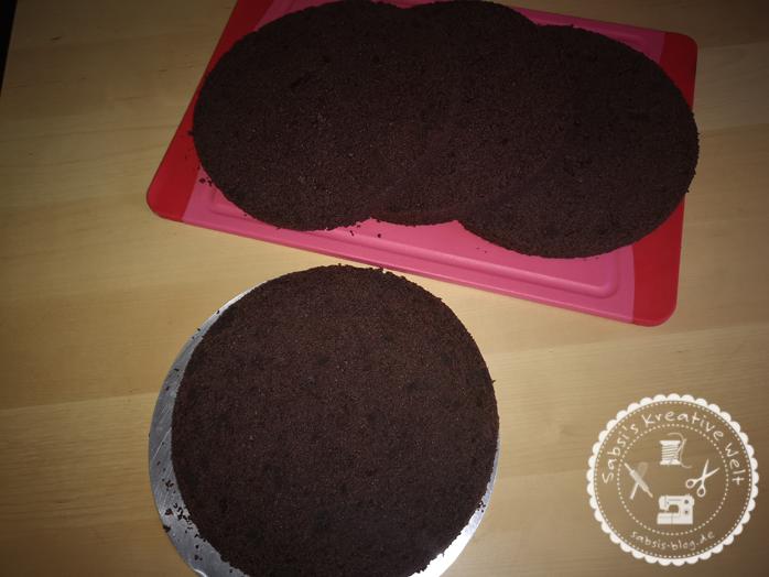 Saftiger Schokoladenkuchen für Motivtorten / Grundrezept