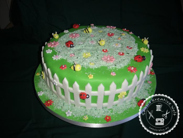 Blumenwiese als Motivtorte zum Geburtstag
