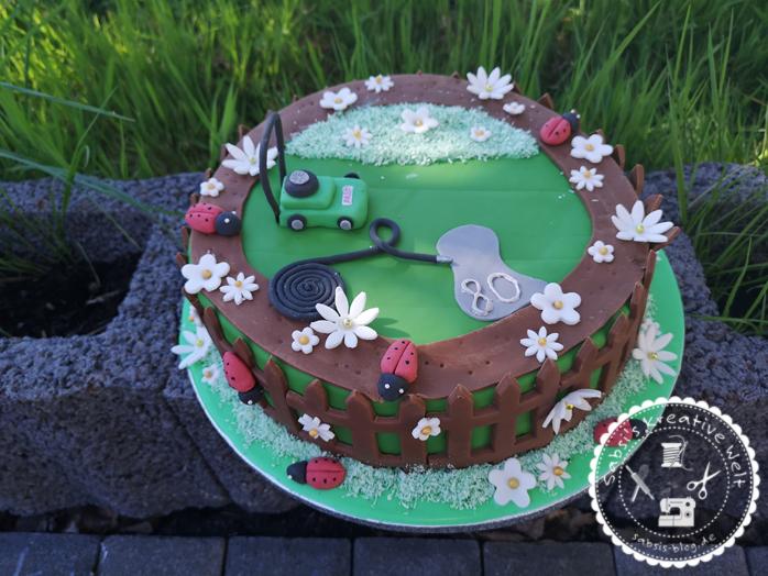 Gartenmotivtorte mit Rasenmäher zum 80. Geburtstag